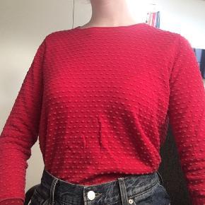Pink trøje med prikker fra Mansted. Køber betaler fragt:)