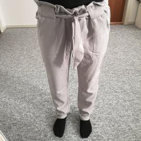 Helt nye bukser 🌸 Str XS/S - 150,- INKL porto.  Spørg for flere detaljer.   Jeg er ca 162cm og 52kg