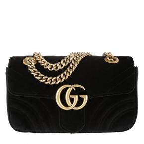 Gucci Marmont Velvet i str. small (26 cm lang).   Aldrig brugt og har derfor INGEN brugsspor.   Æske, kvittering, Gucci carelabels m.m. haves.