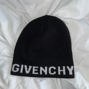Givenchy Hue & hat