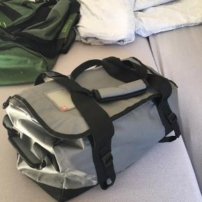 Ukendt taske med masser af plads