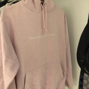 "Sælger denne super lækre ""fuck art make tees"" hoodie aka FAMT  Den er str XS  Np: 700kr Mp: 200kr      Tags: palace, supreme, Gucci, FAMT, yeezy, Nike, Adidas, Stone Island, Kenzo, bape, versace, Armani, valentino, Zara, hm"