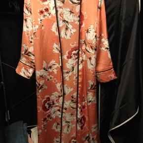 Kimono str m/l fra buch  Mp 200kr