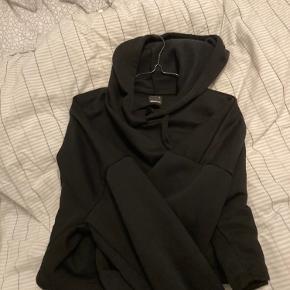 Grina tricot sort hættetrøje  Aldrig brugt