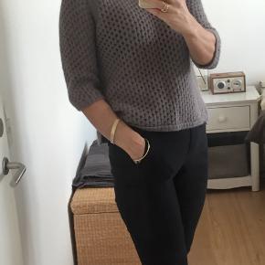 Skøn sweater - det er str L men den er lille i str - svarer til m #secondchancesummer