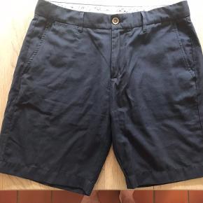 Lækre shorts fra zara med en fed vævning. Fitter 31/32 jeans str.   Husk at tjekke min profil ud for nogle fede skjorter, samt en masse andet :D