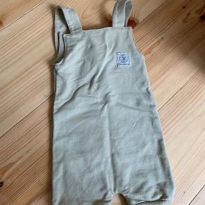 Gro buksedragt