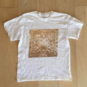 """""""Watch the Throne, 2011"""" Jay-Z & Kanye West merch t-shirt Str. L (kan også passes af en medium)"""
