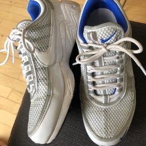 Nike air zoom spiridon Brugt men fremstår næsten som nye. Få brugstegn.