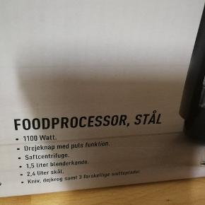 Foodprocessor, fejlkøb.  Den store foodprocessor skål med snitteblad er afprøvet 1 gang. Og jeg vil sælge det fordi skålen er for stor til mit behov. Alt andet er slet ikke brugt. Ligger i original kasse. Købt 27/2 - 2020   Oprindelig pris 1999,- Pt udsolgt.   Hvad vil du give?  Jeg har købt den med medlemsrabbat  Befinder sig i Tranberg.