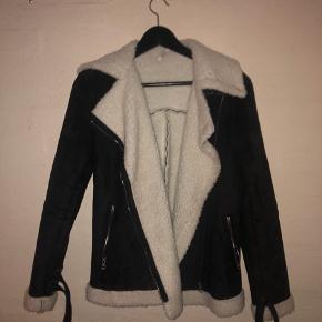 Ruskindsjakke fra mærket CCK fejler intet og er meget varm til efteråret/vinteren  Byd