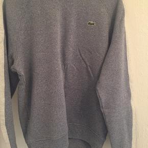 Super fed sweater fra lacoste :) brugt en gang i få timer. Str 4. Svarer nok til en m/lille l   Stone Island nike acne