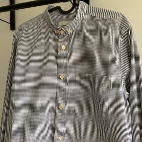 Rigtig smart skjorte i fin stand