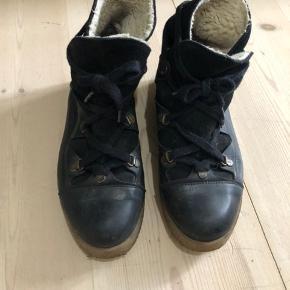 Støvler fra Ganni i str 38.