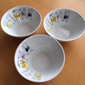 Fine tre skåle, ingen synlig slitage.