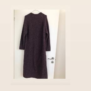 Lækker kjolesweater med alpacauld.