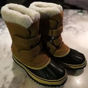 Super lækker vinter støvler fra Move Mountains Arctic original Kids. Med gummisål, vandtæt og holder barnes fødder varme ned til minus 30 °.NP 499 kr. NU 200 kr.