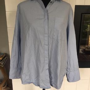 Brugt få gange, oversize skjorte