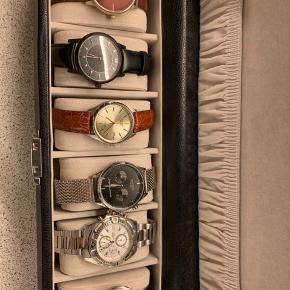 Sælger en række af forskellige ure - skriv for flere billeder af de enkelte ure.