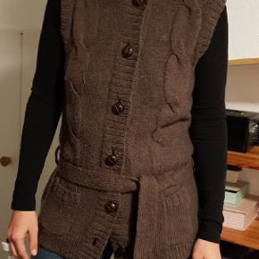 Logg vest