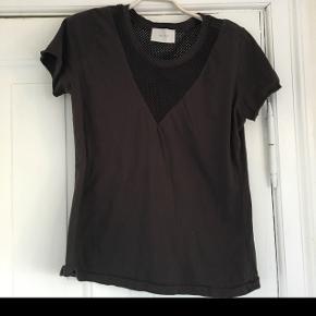 Ubrugt neo noir t shirt bomuld koksgrå m net detaljer medium