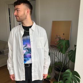 Virkelig fed Han Kjøbenhavn skjorte, i en god stand. Har en mikro lille plet, men intet man ser. Prisen sat derefter!