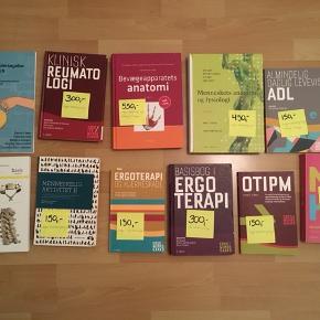 Forskellige bøger til ergoterapeut uddannelsen. Befinder sig i Randers men kan sendes på købers regning.