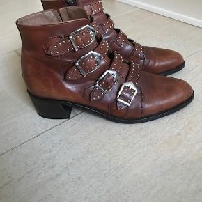 Pertini heels
