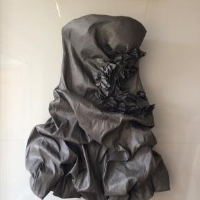 Flot kjole xs /s kun prøvet på /flower by Charm's Paris