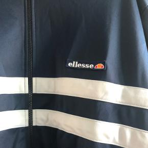 Wood Wood x Ellesse zipper. Super stand.
