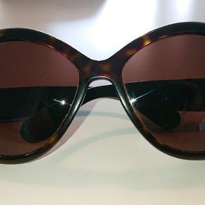 Marc jacobs solbriller 😎 brugsspor indvendig men ikke af betydning ellers rigtig fine hentes hos mig