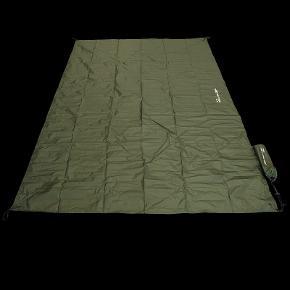 DD Magic Carpet XL i farven oliven grøn. 220x140 cm. Helt ny og ubrugt. Fortsat original emballage.