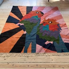 Rigtig flot limited edition gulvtæppe fra Ikea Art Event 2019 - blev udsolgt på dagen i alle butikker. 100% bomuld, 175 x 200 cm. Ingen pletter.