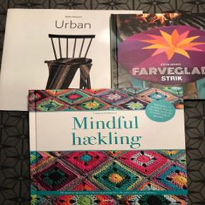 Aldrig brugt. Urban er med meget fine sjaler.Mindfull hækling. Puder i flotte farver..