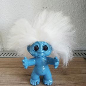 Lykketrold, 9 cm. til hårgrænsen, næsten ikke stået fremme, ny pris 199 kr. 😊