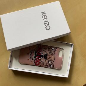 Baby lyserød cover til iphone 7, fra kenzo (passer nok også til andre modeller) knækket i det ene hjørne, men fungerer stadig🌸