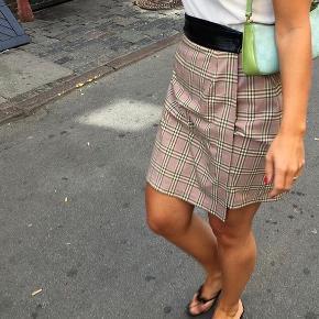 Hosbjerg nederdel. Ikke brugt. Nypris 649,-
