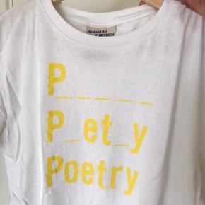 Baum Und Pferdgarten t-shirt, str. Medium Passer nok mere en str. Small (lidt løst fit)  Fragt med DAO eller afhentes i Ørestad