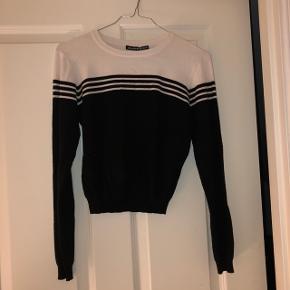 Brandy Melville cropped bluse One size  Kun brugt en gang!