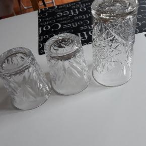 3 glas fejler intet,  30kr