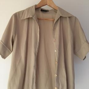 Vintage beige skjorte fra fransa i størrelse M