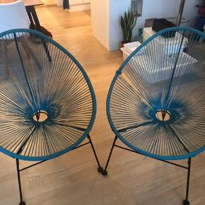To stole til 300 med de små tæpper i! Vær opmærksom på at snøren er gået op, men det ændre ikke på at man sidder godt i dem :)