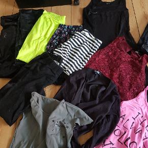 Min datter har ryddet op. Der er 1 kjole,leggins,bukser,toppe,tshirts, shorts og trøjer. Forskellige mærker. HM i annoncen er en fejl😂 Det meste af tøjet er blevet brugt meget lidt. Der er 3 toppe i str 10-12 år ca. Der er tøj for 1000 kr,så meget meget billigt.