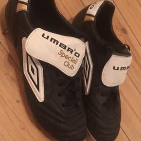 Umbro Speciali. Strørrelse 44. Lækre fodboldstøvler i kængurulæder.