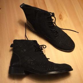 Rosemunde støvler
