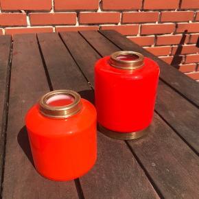 To vaser fra Sverige i den flotteste orange. Stor Ø11 H13 - Pris 300kr / Lille Ø10 H11 - Pris 175kr