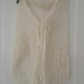 Super lækkert strikket sjal fra Victoria Secrets Angles kolkektion.  Købt i Chicago.