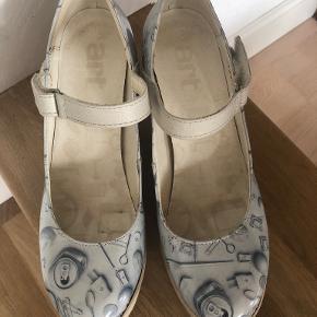 Art heels
