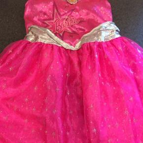 Barbie kjole str 128 GMB men pæn stand afhentes i Hjering sender ikke