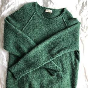 AMERICAN VINTAGE CASHMERE SWEATER